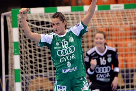 Eduardo Amorim is the World Handball Female Player of the Decade